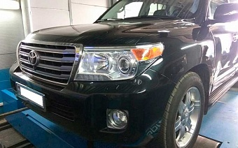 Toyota Land Cruiser 200 4.5d 235 лс 2013г