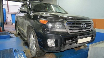 Toyota Land Cruiser 200 4.5d 2014 г.в.